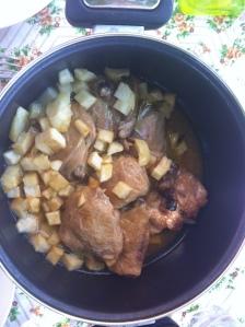 Pollo al ajillo. Olla rápida