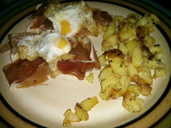 Patatas fritas con ajo,  perejil y vinagre